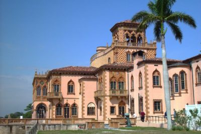 must see family attractions in sarasota